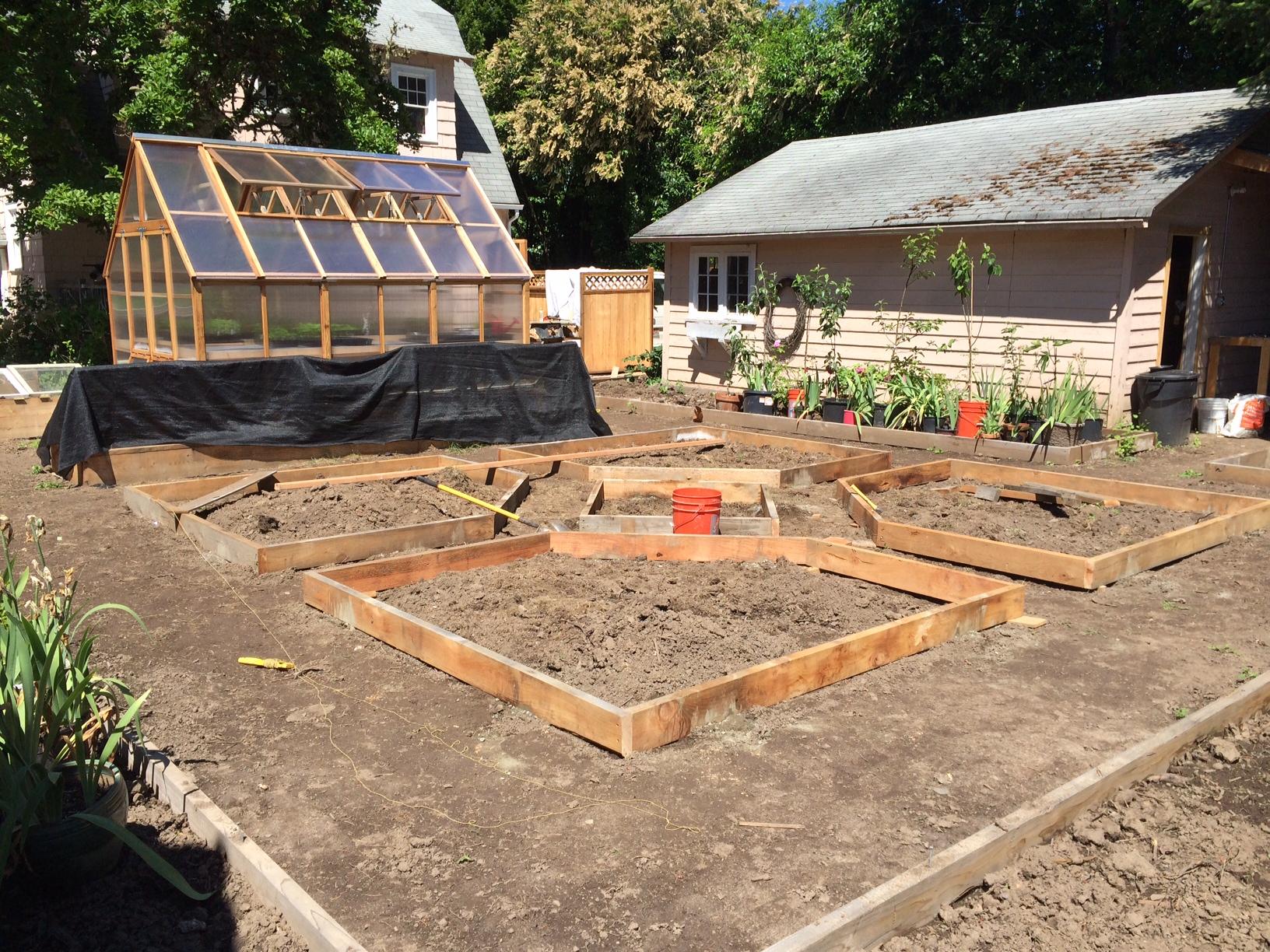 Designing A Garden For Heirloom Plants – heirloomgardenerdotnet